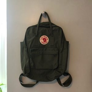 Fjallraven Kanken backpack army green